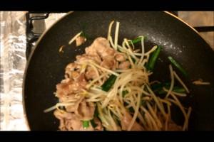 【料理動画】豚もやしレシピ|豚もやしラーメン