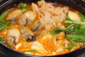 Oyster and Pork Kimchi Nabe (Korean-inspired Hot Pot Recipe) 牡蠣と豚肉のキムチ鍋(韓国風鍋) 作り方 レシピ
