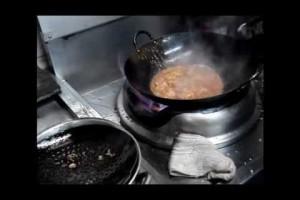 プロの中華料理レシピ 鶏肉のチリソース煮 作り方